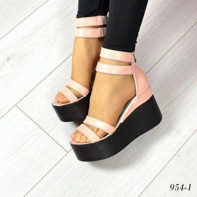 60cdb88a4 Босоножки на платформе: 650 грн. - Женская обувь Полтава на Olx