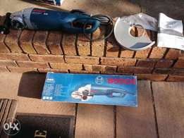 BRAND NEW Bosch Professional angle grinder