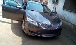 Clean sports Camry with DVD, GPS, reverse camera, leather seats, alloy