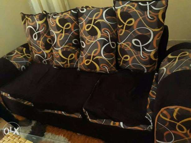 Beautiful 3 Seater For Sale Thika - image 2