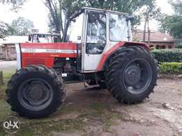 MF 390 Ex-Uk tractor