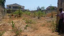 1/8 acre Nyali with a wall