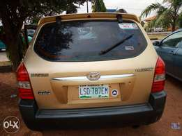 Super clean Nigerian used Hyundai Tucson jeep 2005