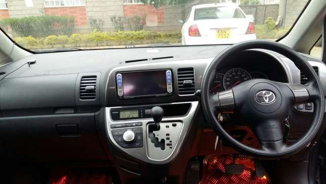 Toyota wish very clean Nairobi CBD - image 5