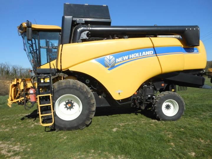 New Holland cx 5090 latérale 4x4 - 2014