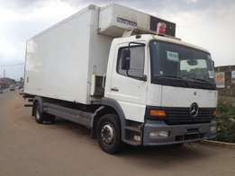 tokunbo 2002 Mercedes benz Truck/cooling van, 14tonnes. no issue