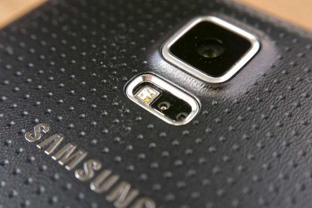 Slightly used samsung S5 BuruBuru - image 2