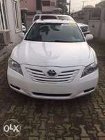 Clean 2007 Toyota Camry XLE Thumbstart