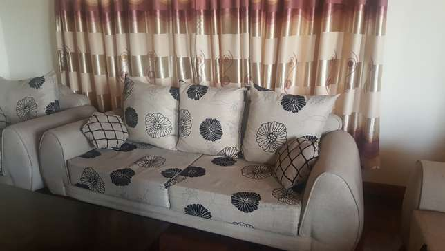 7 Seater Sofa for sale - 1.5 years old only Westlands - image 3