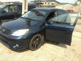 Tokunbo 2005 Toyota matrix for sale.