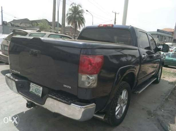 ADORABLE MOTORS: A clean, well used 08 Toyota Thundra Lagos Mainland - image 3
