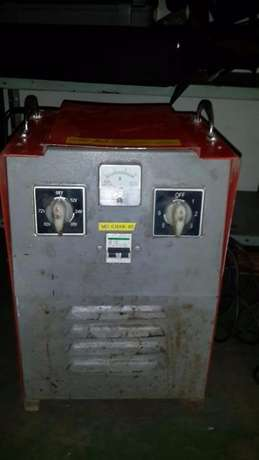 Industrial Battery Charger - Charges 6 Batteries at once Johannesburg CBD - image 3