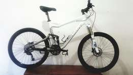 Giant TranceX2.Duelsus.Xt Hydraulic disk brakes.Fox air Shocks.