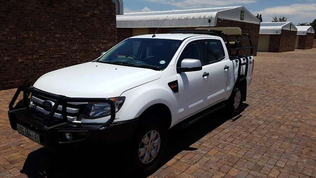 Ford Ranger D/Cab 2,2 XLS 4X4 With Cattle rails and Hunting Seats Kempton Park - image 1