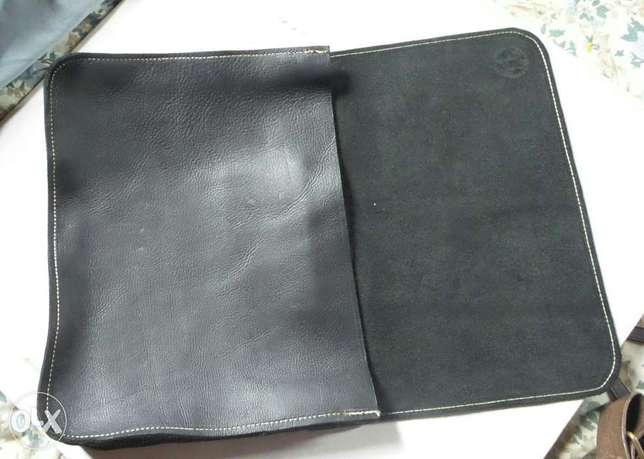 Genuine leather satchel, phone pouch and tablet pouch Ilorin - image 2