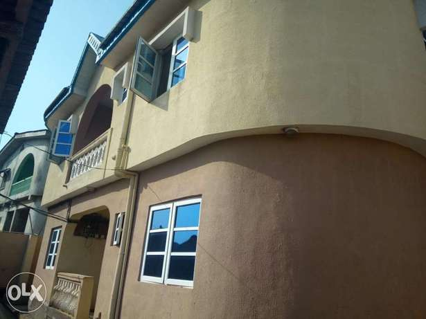 Spacious 3bedroom flat 250k with 4 toilets at igando Alimosho - image 1