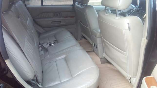 Check this Nissan infinity QX4 out a/c auto drive leather seat alloy Ikeja - image 6