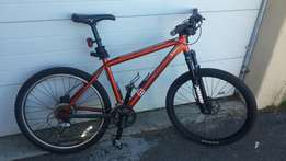 Mongoose mountain bike very good