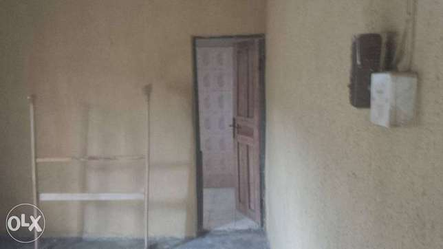 2 bedroom bungalow on about 800sqm of land at Ologuneru area Ibadan Ido - image 3