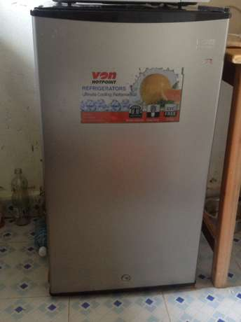 hot point fridge in good condition 6 months old plus warranty Kakamega Town - image 1