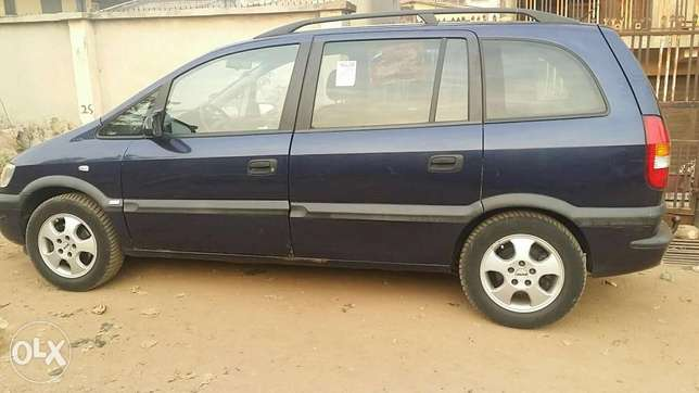 Tokunbo Opel Zafira Ibadan South West - image 1