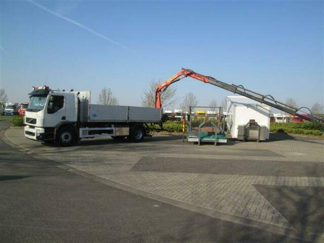 Volvo FE300 4X2 EURO 5 HOOKLIFT COMPLETE WITH 3 BODIE - 2009