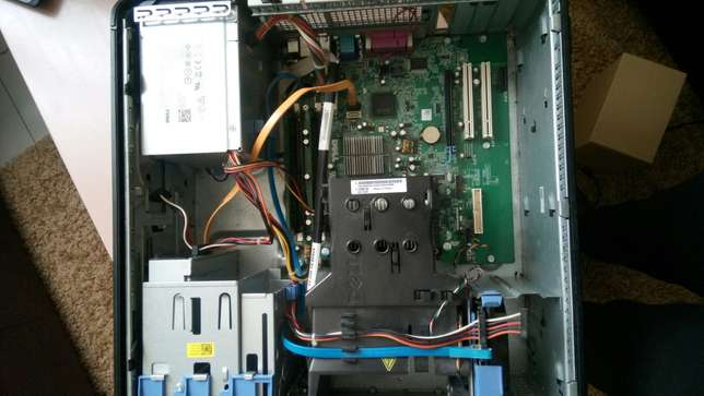 Computer sale.good condition.ideal for movie,home,games or office work Nairobi West - image 7