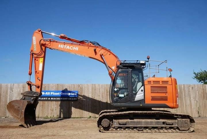 Hitachi Zx225usr - 2014