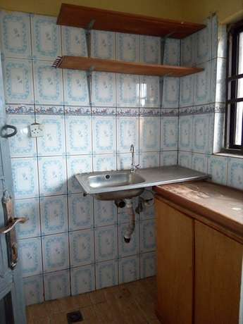 Self contained room to let at CBN Qtrs by AMAC market FHA Lugbe Lugbe - image 3