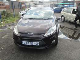 Ford fiesta 1.4,2010 Model,5 Doors factory A/C And C/D Player