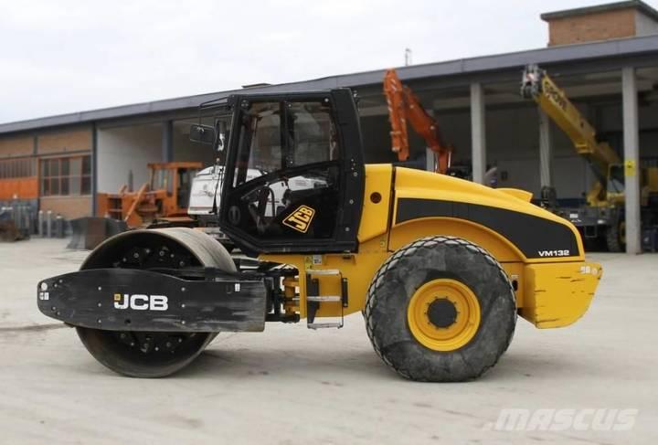 JCB VM132 - 2007