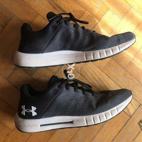 Under Armor running shoes used in a very good condition Size 44