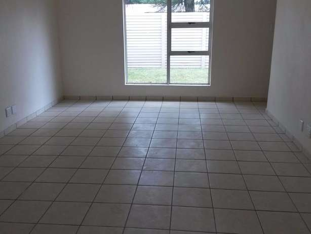 Neat Spacious and Safe - Wolmer Pretoria North - image 2