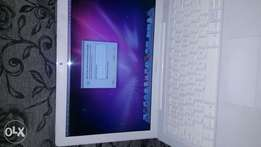 Apple MacBook 2gb ram 160gb hard drive