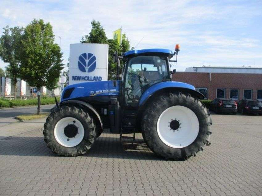 New Holland t7.220 autocommand - 2013