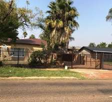 Stunning Price - 3 Beds with Flat, in Booysens PTA for sale