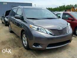 Balance Toyota Sienna gray colour or sale