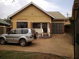 3 bedroom house for sale in Kiwatule at 170m