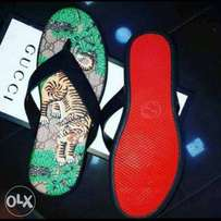 Gucci pam slippers