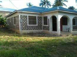 3 bedroom bungalow on sale Mtwapa majengo on a quarter acre with tittl