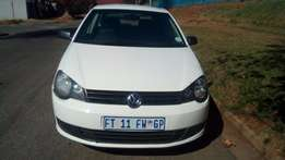 2010 polo vivo 1,4 colour white