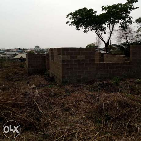 For sale uncompleted twin bungalow of 3bedrooms at asaju estate akobo Akobo - image 4