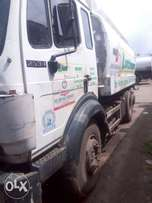 18,000 litre peddler M/Benz Truck For Sale