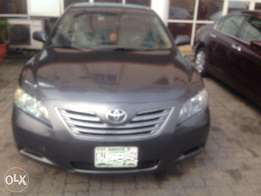 Clean Nigerian Used 07Camry Hybrid with keyless entry( thumb start)