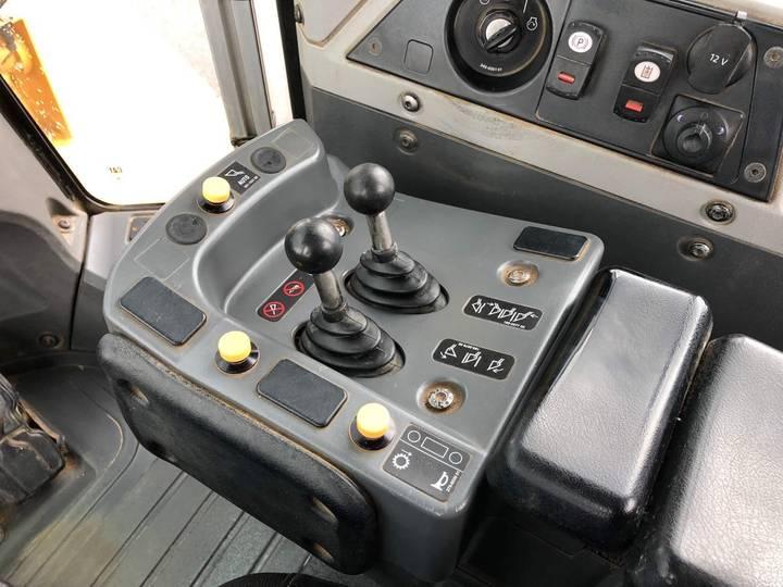 Caterpillar 980K wheel loader - 2013 - image 19