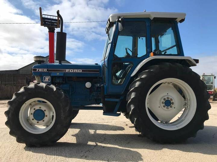 Ford 7810 Vintage Tractor