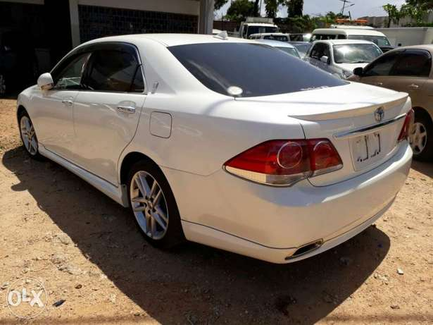 Brand new Crown Athlete with body kit Mombasa Island - image 4