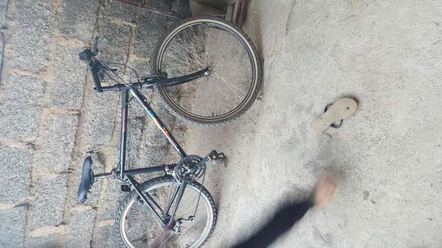 EX UK Bicycle Kariobangi South - image 2