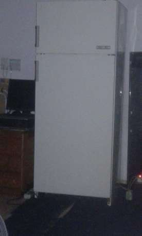 Am selling my bosch fridge still in very good condition there is more Pretoria West - image 3