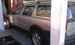 Volvo V70 XC Cross country for sale R45000 neg Urgent Sale